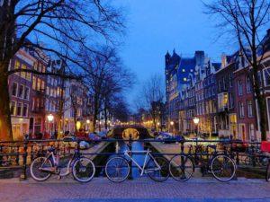 un día en Ámsterdam de interrail con airhopping