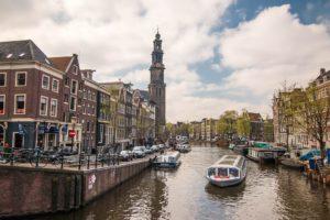 un día en Ámsterdam canales de la ciudad