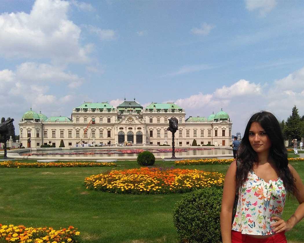 Yo sintiéndome princesa en el Palacio Belevere.