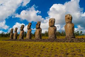 dónde viajar en noviembre chile isla de pascua