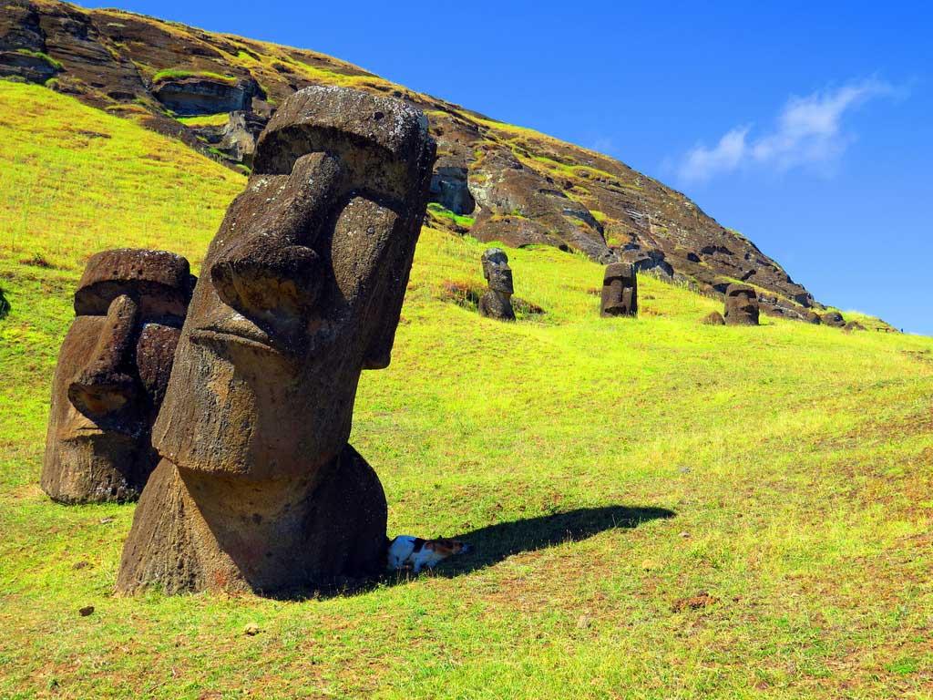 dónde viajar en noviembre isla de pascua