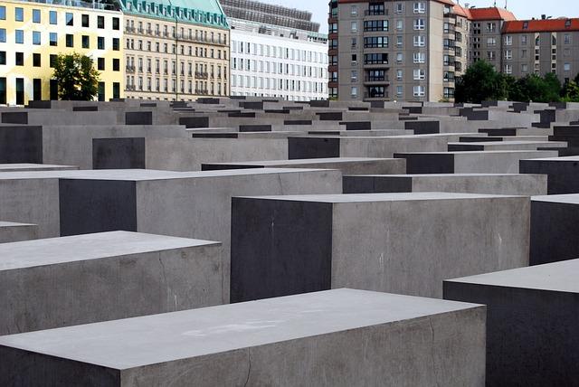 memorial-510156_640