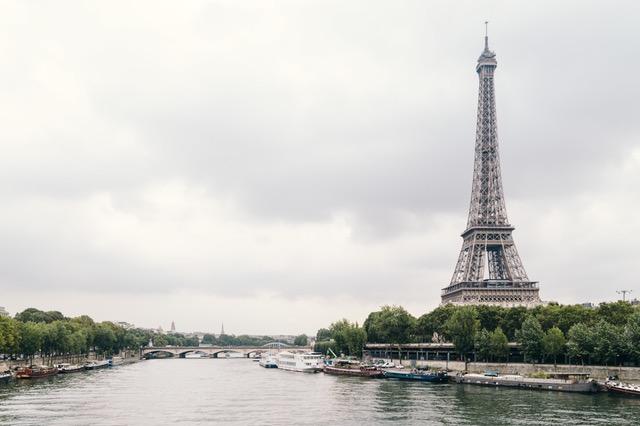 dónde viajar en enero paris airhopping