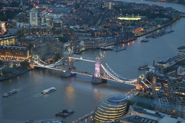 dónde viajar en enero Londres Airhopping
