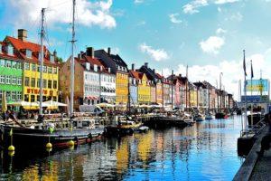 viaje a Copenhague hygge felicidad airhopping