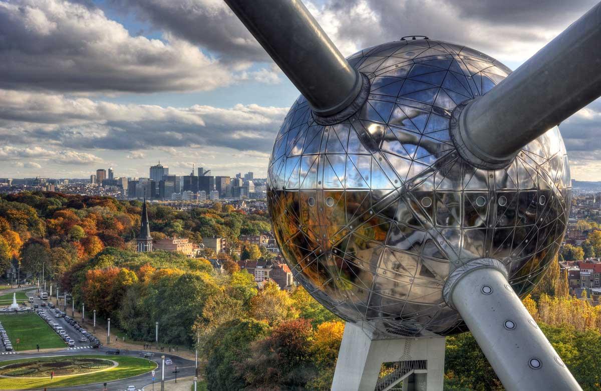 viajar a Bruselas atomium vuelos airhopping