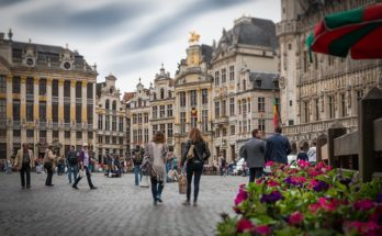 grand place bruselas ruta airhopping