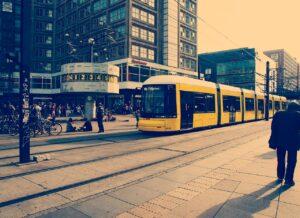 transporte publico berlin tranvia airhopping